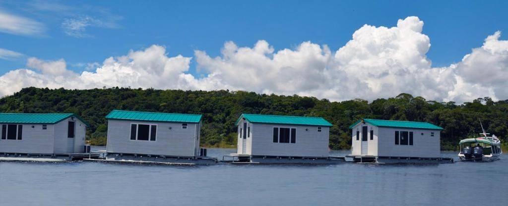 floating-cabins-caravan-01